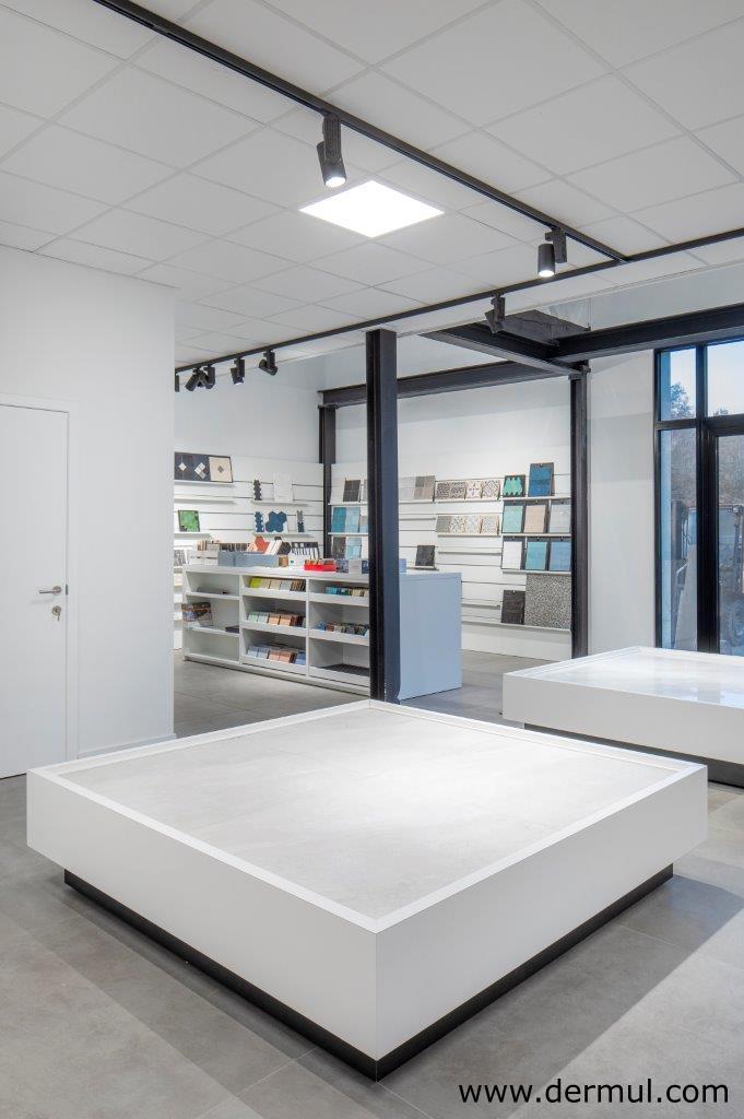 Ausstellungsmöbel - Van Pelt - Zoersel
